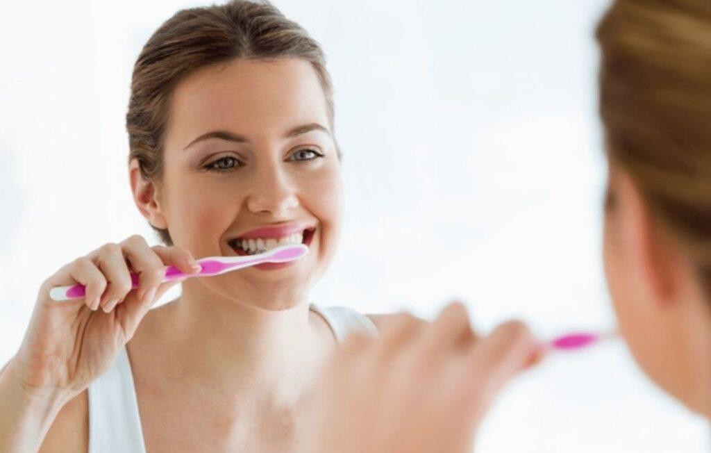 Tratamiento del Dolor de Encías y Sangrado - Clínica Dental en Guadalupe